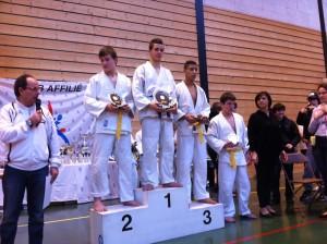 2013-01-13-deuil-podium-antoine-300x224