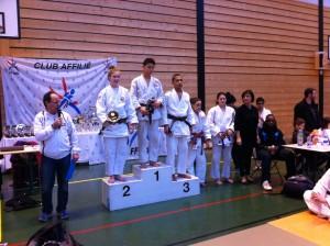 Coupe de Deuil Cadets/juniors/seniors 2013-01-13-deuil-podium-camille-300x224